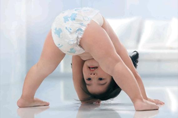 Kinh nghiệm phân biệt chất liệu quần áo cho bé